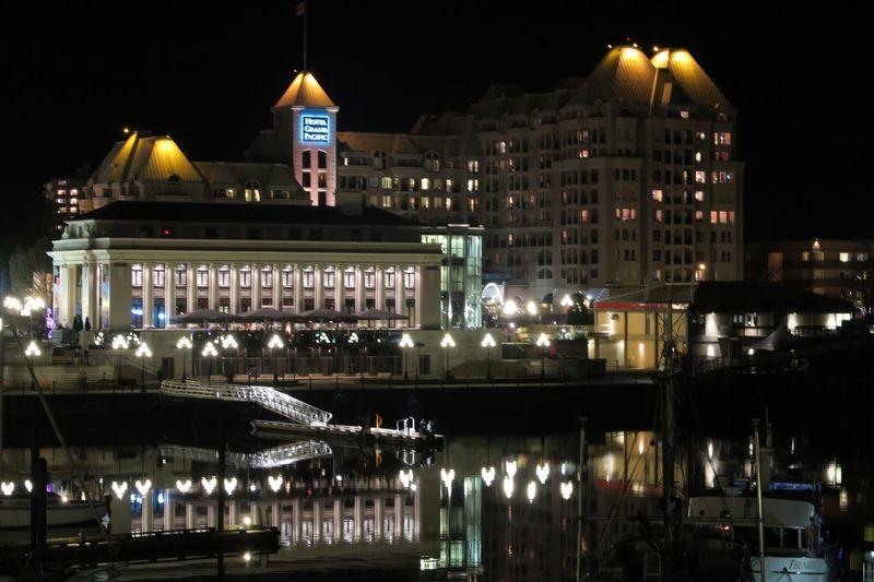UVic滞在記 Canada Victoria Inner Harbor Night View