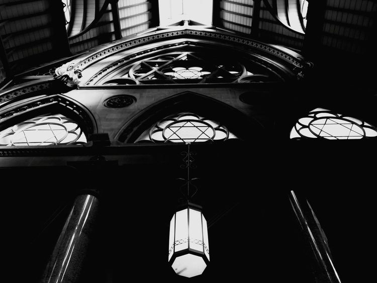 I couldn't resist a monochrome version Learn & Shoot: Balancing Elements Ceiling Interiors Wool Exchange Bradford Geomtric Shapes Urban Geometry Trading Wool Urban Looking Up Windows Circular Pentagram Listed Building Grade 1 Listed Building Old Architecture Gothic Beauty  Gothic Architecture Gothic Venetian Gothic City Composition Monochrome Black And White