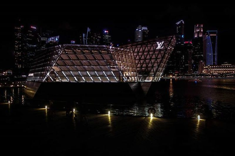 Sandsstyle Marinabaysands Louisvuittonisland Singapore Sonyrx100iv Lightroom Sginstagram Sg Nightphotography