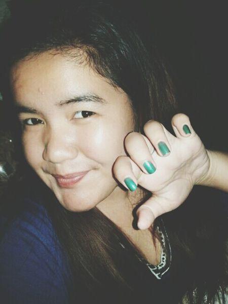 Just look at my nails, not my face. Hahaha! 💅 Haggardface Haggardoversoza Prettynails Pampered