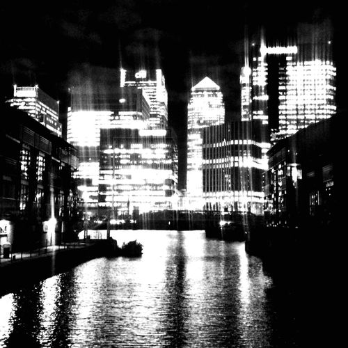 Canary Wharf At Night London Skyscrapers Financial Centre Canary Wharf Water Reflections Night Photography Blackandwhite