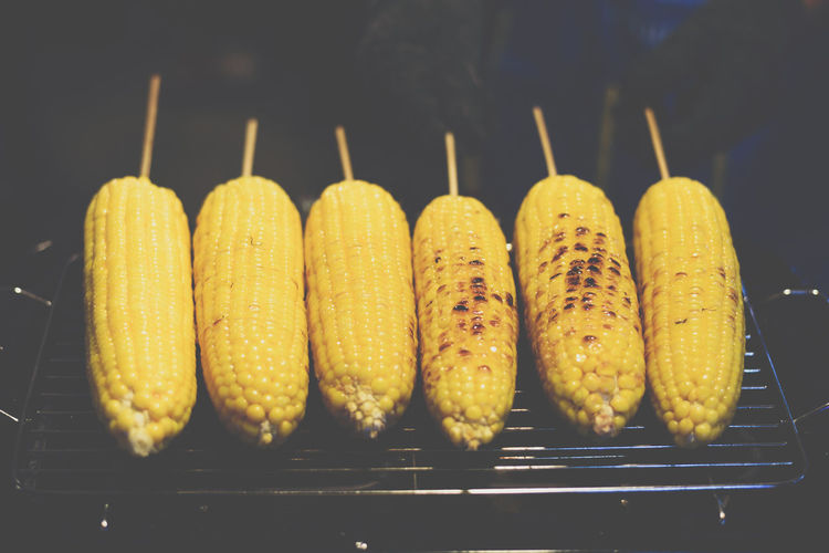 Arrangement Close-up Corn Corn On The Cob Food Food And Drink For Sale Freshness Group Of Objects Healthy Eating High Angle View In A Row Indoors  No People Side By Side Still Life Sweetcorn Temptation Tray Vegetable Wellbeing Yellow