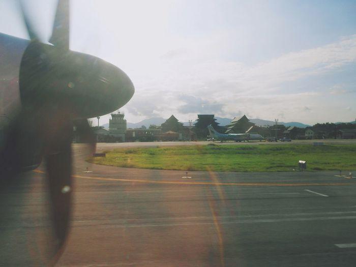 Takeoff @Lampang Airport Airplane Airport Airport Runway Lampang TakeOff ท่าอากาศยานลำปาง ท่าอากาศยานสุวรรณภูมิ นกแอร์ สนามบินลำปาง เครื่องบินใบพัด