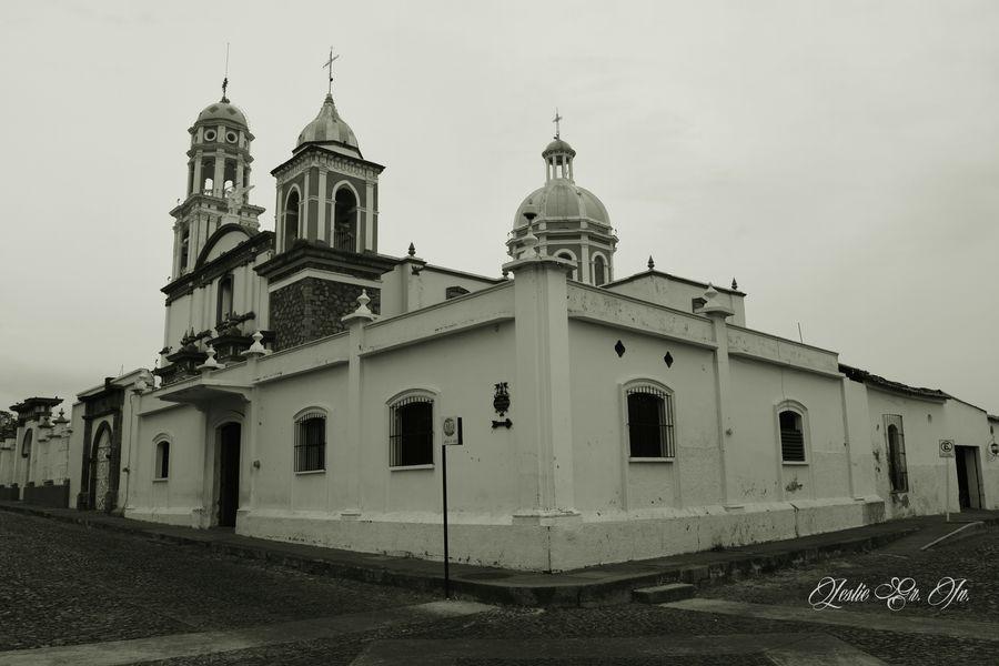 Pueblo Pueblomagico Photography Mexico Mexico_maravilloso Comala Colima Streetphotography Blanco Y Negro Streetphoto_bw Iglesia Leslie_Gr_In