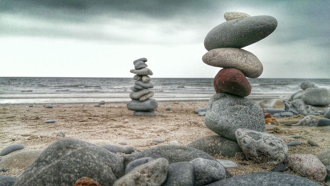light HDR Seashore Stones Tadaa Community Balance Perfect Balance Place Of Tranquillity Stone Art Balancing Act Stones & Water Meditation Place Balancing Elements Red Sand & Sea Test Of Time Bestsellers Ballance Stones And Pebbles EyeEm Best Edits EyeEm Gallery EyeEmNewHere Tranquil Scene Tranquility Backgrounds Visual Creativity