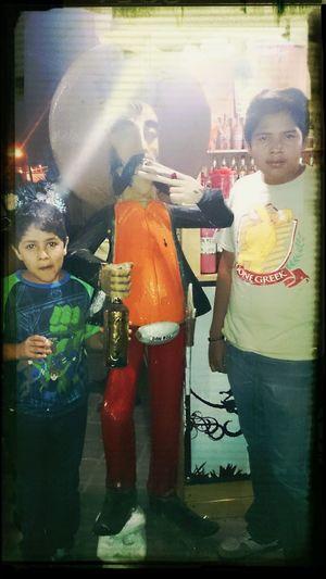 Feria del Mezcal Oaxaca 2013 con los diablillos de mis sobrinos