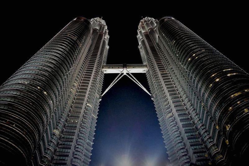 Malaysia Kuala Lumpur Petronas Twin Towers Nightshot Architecture Skyscraper Low Angle View