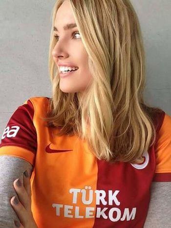 Galatasaray Cimbom 💛❤️ GALATASARAY <3 GALATASARAY ☝☝ GalataSaray