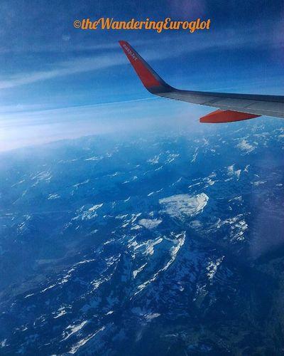 In volo sopra le Alpi, più vicini a Parigi / En vol au-dessus des Alpes, plus près de Paris / Flying over the Alps, closer to Paris Flying Fly Instaflying Sky Skyporn Ciel Cielo Instacielo Instaciel Volare Volar Vuelo Vol Voler Volo Loves__europe EasyJet Ibelieveicanfly Jj_skylove Skylove_ Alpi Alps Alpes Aerial View aereo avion plane flight