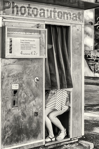 Capture The Moment Streetphoto_bw Streetphotography Monochrome Germany Blackandwhite B&w Street Photography Eyem Best Shots Fotoautomat The Tourist Up Close Street Photography Capture Berlin The Street Photographer - 2017 EyeEm Awards Discover Berlin