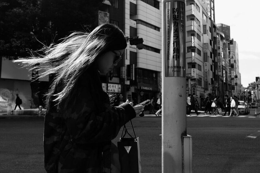 Street Streetphotography Tokyo Street Photography Shibuya Streetphoto Japan The Week Of Eyeem Voidtokyo Blackandwhite Black And White Streetphoto_bw Streetphotography_bw B&w Street Photography Monochrome Photography Day City