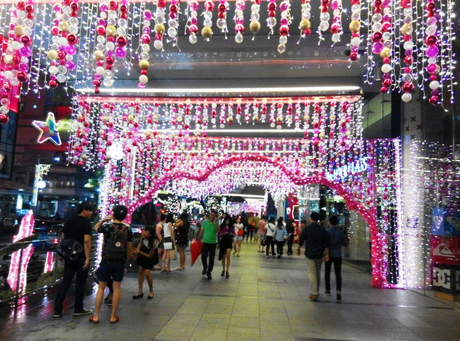 Festive Mood strolls City Life Cityscape Crowded Festive Crowds Festive Season Shopping Shopping Center Shopping Time People Together Color Palette Beautifully Organized