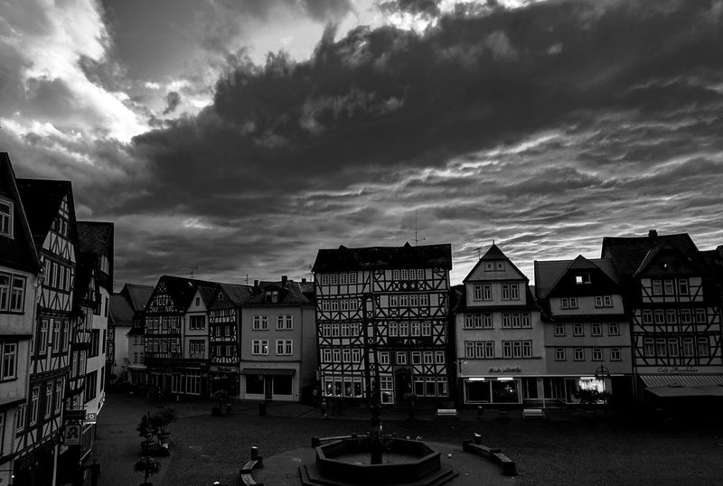 Marktplatz bw Architecture Blackandwhite Building Exterior City Cloud Cloud - Sky Cloudscape Exterior Fachwerk Sky Eyeem Photo Sony A6000 Contrast Timber Frame