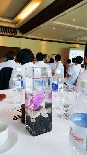 Hungry seminar big meeting