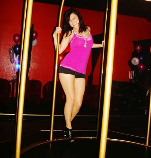 Dancefloor Bird Cage Dancer Dance Club Music Clubbing Beautiful Woman Glamour Full Length Fashion Indoors  Fun Night Smiling Fashion Photography Fashion&love&beauty Skills  Exercise In Style