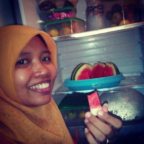 Pulang kerja,semangka dulu Afterwork Pulangkerja Semangka Watermelon red fruit buah yummy refrigerator segar sidoarjo myhome eastjava indonesia