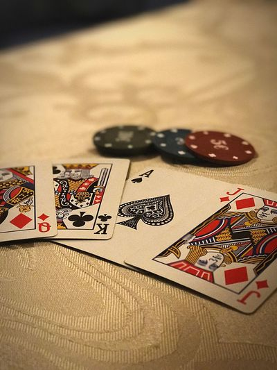 PokerMode: On.🃏♣️ Gambling Cards Chance Luck Leisure Games Poker - Card Game Close-up Gambling Chip No People Currency Indoors