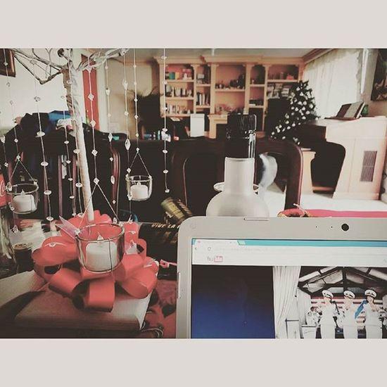 Olor a casi navidad! 🎄🎁 Diciembre Candyman Christinaaguilera árbol Esferas