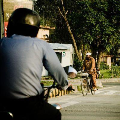 Coming or going. Islamabad Pakistan Ontheroad Motorcycle Motorcycles Bike Cycle Ride RideOut Bike Biker Bikergang Helmet Cycle Bikelife Streetbike CC Instabike Instagood Instamotor Motorbike Photooftheday InstaMotorcycle Instamoto Instamotogallery supermoto cruisin cruising bikestagram aimanadeel