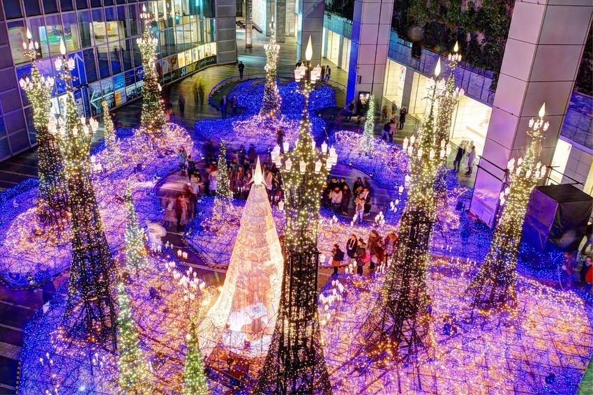 Christmas Lights Christmas Christmas Tree AI Now! EyeEmNewHere Illuminated Celebration Architecture Large Group Of People Building Exterior Built Structure EyeEm Ready   Night City
