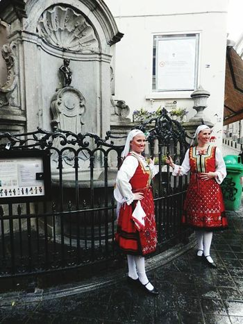 Brussels National Monument Traditional Clothing Traditional Culture Bulgaria Manneken Pis People And Places Cityview Urbanexplorer Busy Place
