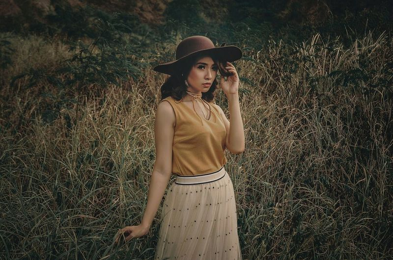 cowboy 👒 Cowboy Beauty In Nature Model Mood Ootd Fashion Woman Girl Nature Iamnikon Momo_artsolo Dress Standing The Fashion Photographer - 2018 EyeEm Awards Young Women Tree