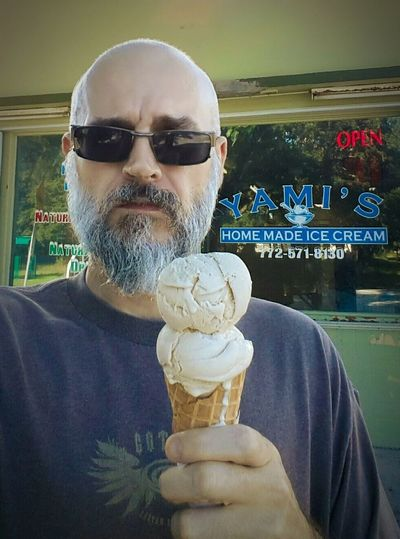Yami's Ice Cream Homemade Frozen Food Ice Cream Cone Outdoors Fellsmere Fellsmere Florida Fellsmere, Florida USA Easy Like Sunday Morning Beardedmen Beardswag Beardseason Beardlife Beardporn Beard Dinner and Dessert Supportlocal Support Local Support Local Businesses Mom And Pop Store