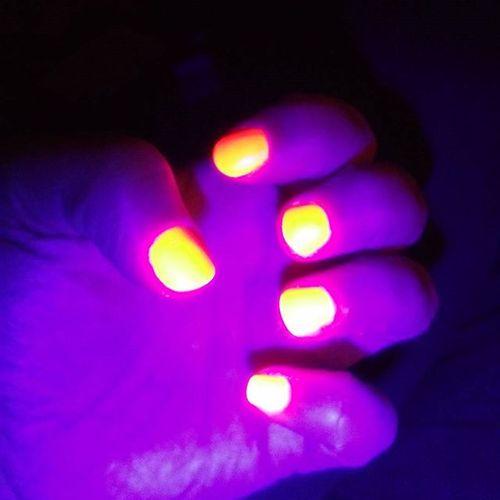 Glownails