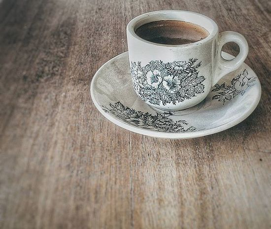 Have a cup of coffee as your friend in the afternoon Igdumai Seputardumai Dumai Kopiaceh Warkop Coffee Htcone HTC HTCOneM7 VSCO Vscogood Exploringalone Story Cupofcoffee Latte Afternoon Gadgetgrapher Gadgetgrapher_riau Grainy Brown