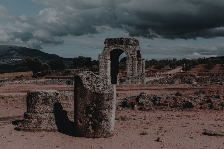 Ruinas de la ciudad romana de Cáparra. Vía de la Plata. Extremadura SPAIN Ancient Ancient Civilization Arch Architecture Cloud - Sky History Old Ruin Roman Travel Destinations The Great Outdoors - 2018 EyeEm Awards