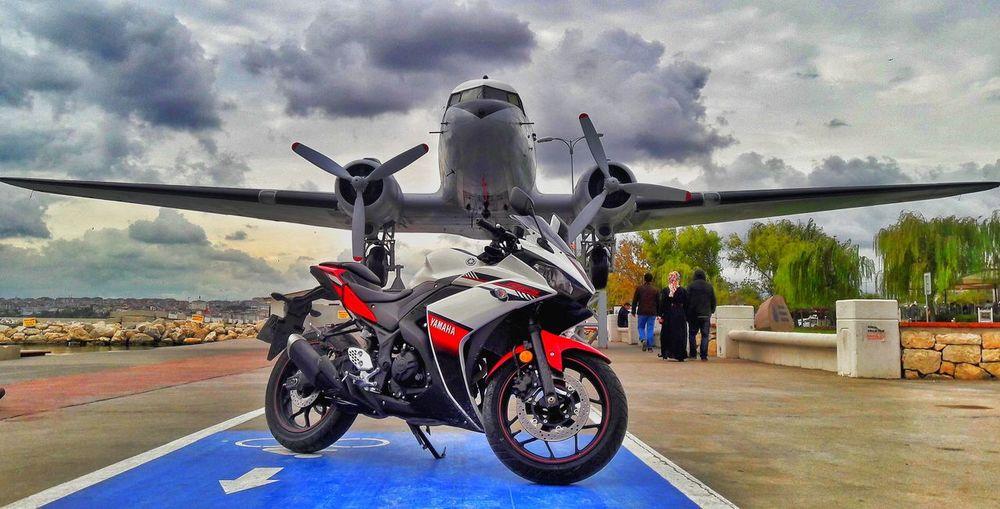Buyukcekmececoast R25 R25encokcalinanmodeli Redr25 Yamahar25 Yamaha250cc 250cc Supersportsbikes Airplane Babawest34 Kurucusubenim Motorcycle Racing Bike