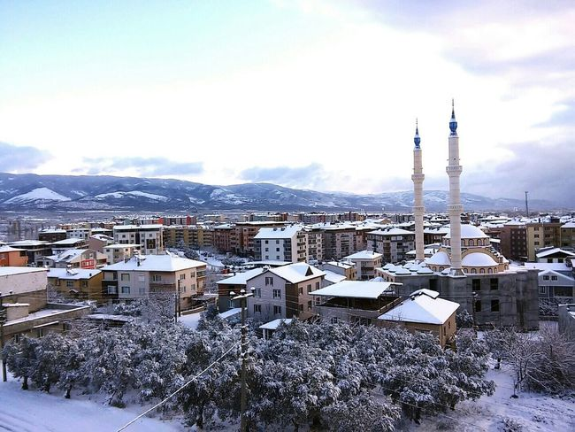 It's Cold Outside Bursa Orhangazi Orhangazi Mosque Sky Mountain GoodMorning⛅ First Eyeem Photo Snow ıt's Cold Outside Winter Cold