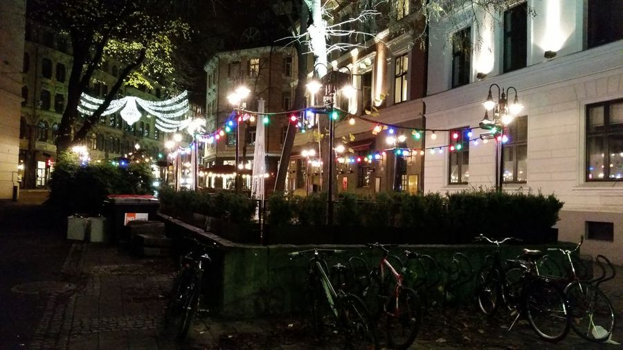 streetwiew The Street Photographer - 2018 EyeEm Awards Illuminated Architecture Fairy Lights Blurred Light Urban Scene Lantern Hanging Light