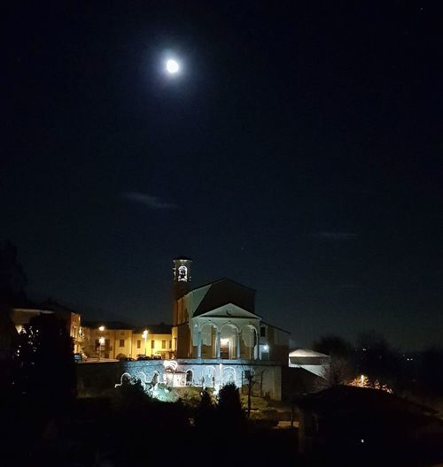 Night Illuminated Moon Sky Outdoors Built Structure Building Exterior Architecture Star - Space No People City Cityscape Astronomy FullMoonLight Luca Riva Moon Nightphotography Light In The Darkness S8Photography S8 S8 Collection Samsungphotography