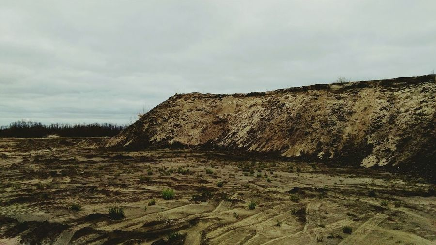 East Cliff of Surgut Wasteland Landscape Outdoors Day Cloud - Sky East Cliff Wasteland Surgut Wasteland Cliff Sand Dune Desert пустыня дюны пейзаж пустошь ветер утес Wind No People Sky Chasm The Great Outdoors - 2017 EyeEm Awards Breathing Space The Week On EyeEm Lost In The Landscape