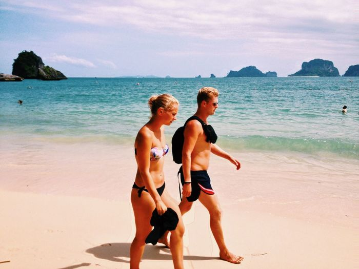 couple Taking Photos Enjoying Life Thailand Krabi Thailand Travelling Sea Hello World