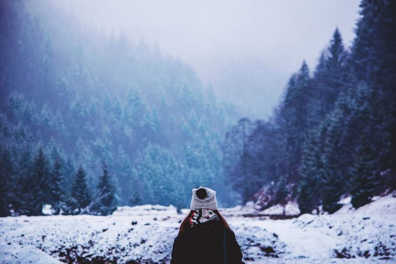 Haidi🏔❄️⛰ Winter Cold Temperature Snow Nature Mountain Weather Tree Beauty In Nature Outdoors Day One Person Sky Landscape Real People Warm Clothing Scenics Tranquility Close-up Tranquil Scene Focus On Foreground First Eyeem Photo Shades Of Winter