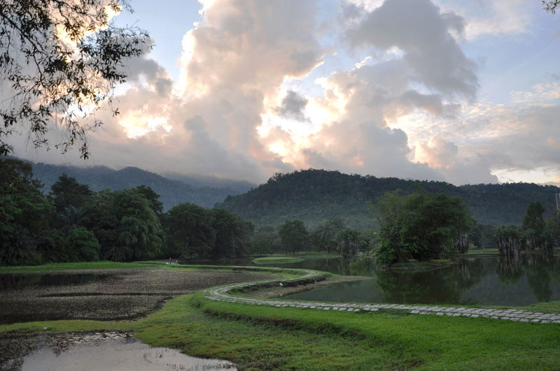 Scenic view of taiping lake gardens against sky