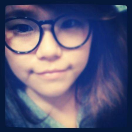阿姨:你眼睛好醜。 (立馬戴眼鏡) 阿姨:好多了。 不能沒戴眼鏡 眼鏡 Taiwan Taichung