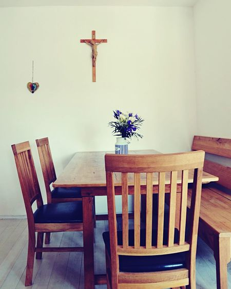 Indoors  No People Chair Table Flower Diningroom Austria #cross Canon Canonphotography Wood - Material