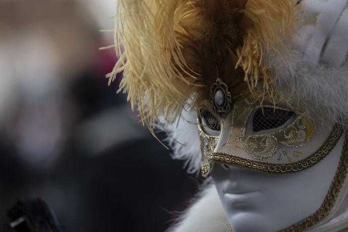 Venice Carnival Venice, Italy Carnevale Di Venezia Carnival Carnevale Dino Cristino Nikon Photo Nikon Contrasto Colors Occhi Eye Primo Piano Portrait Fotografia Ritrattistica Fotografia Di Strada Street Art Street Streetphotography