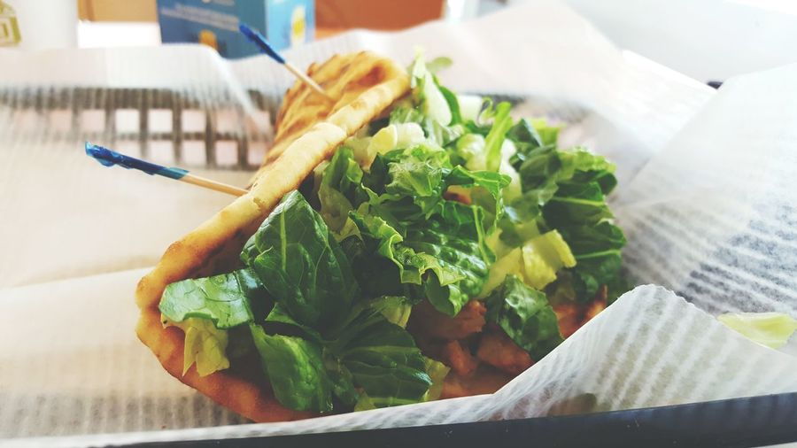 when you're hungry, grab something to it. i was veey hungry at this point. Check This Out Food Yummy Foodphotography Hungry Cheese! Enjoying Life Samsungphotography Samsung Galaxy S6 Edge Enjoying Life Capture The Moment Lunch Lunch Time S6 Edge Photography Green Vegetables Baja Chicken Tropical Smoothie Blurred Background 43 Golden Moments Showcase July ShareTheMeal Beautifully Organized