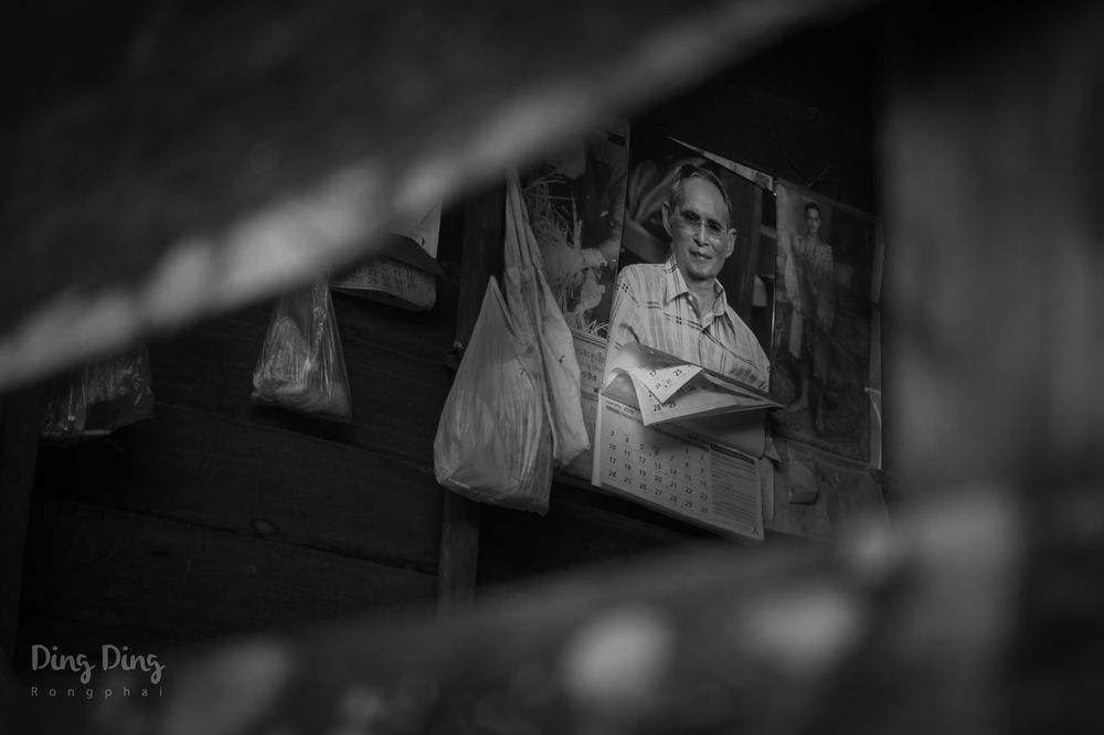 The King of Thailand Black And White Chiang Mai | Thailand Foreground Blur King Of Thailand Old Old Buildings Old House Picture Of King Thailand, Phuket Wood - Material