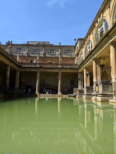 Roman Baths Roman Roman Bath Roman Architecture Architecture_collection EyeEm Selects Water Politics And Government City Business Finance And Industry Architecture Sky Building Exterior Palace Reflecting Pool Royalty Past Historic King - Royal Person Standing Water The Traveler - 2018 EyeEm Awards