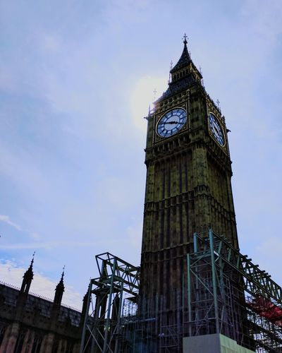 Travel Destinations Tower Architecture Cloud - Sky Clock Tower Business Finance And Industry Built Structure Outdoors Clock Politics And Government Sky People Day Citizenship Big Ben