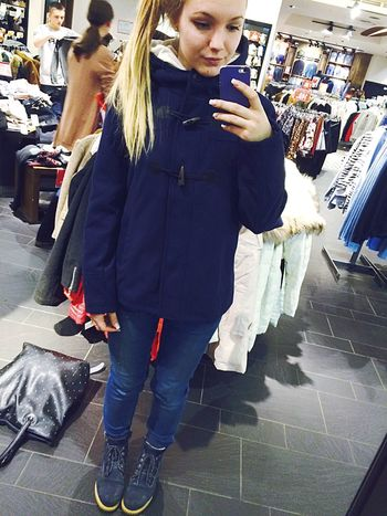 Shopping With A Friend 👯 Shopping Pull&bear Selfie Today's Hot Look Beautiful Sexygirl That's Me Model Cheese!