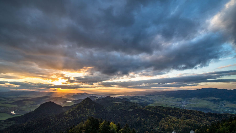 Cloud - Sky Sky Scenics - Nature Beauty In Nature Tranquil Scene Tranquility Environment Nature Landscape Non-urban Scene Outdoors Poland Polska Pieniny Pieniny Poland Gory Mountain Landscape_photography Landscape_Collection Landschaft Sunrise Sunrise_Collection Clouds And Sky Skyporn
