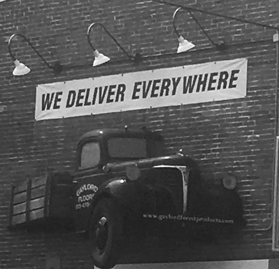 Text Western Script Communication No People Sign Wall Architecture Wall - Building Feature Brick Script Information Day Non-western Script Brick Wall Building Exterior Built Structure Mode Of Transportation Capital Letter Close-up Outdoors Message Classic Car
