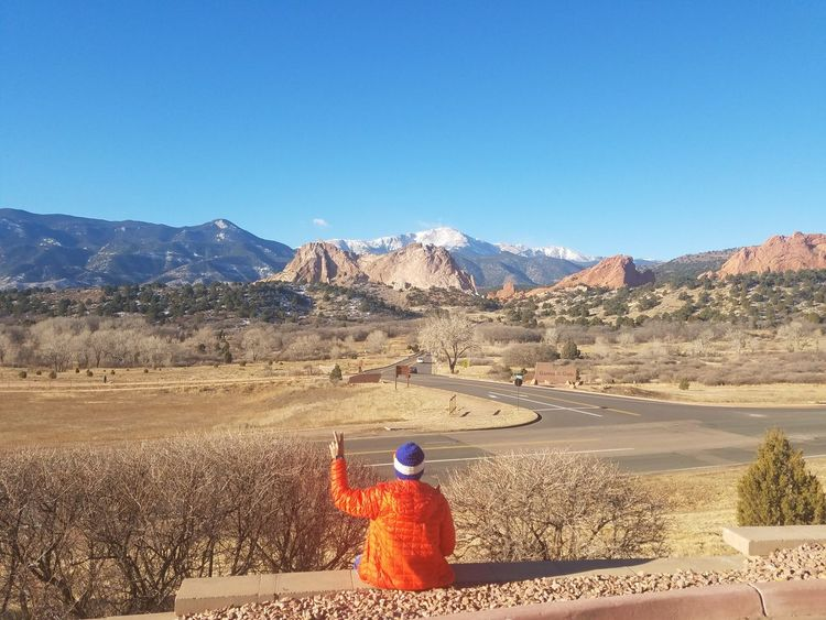Title: View Location: Colarado Springs, CO, USA Camera: Samsung Galaxy S7 EdgeThe view Colorado Life Colorado Photography Garden Of Gods EyeEm Selects EyeEmNewHere Breathing Space The Week On EyeEm Been There. Done That. Lost In The Landscape Connected By Travel Colarado Beauty... Colarado Mountains And Sky Mountain Range Mountain Road Mountainview Mountain Landscape Mountainlove Mountains Mountain View Mountain_collection Mountains And Clouds Second Acts