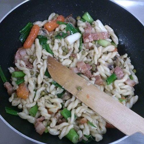 Mein Kochstil: keinen Rezepten folgen, alles miteinander mischen und voilà! DIY Kochenmachtspaß Cookingisfun LOL